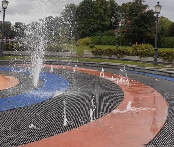 установка фонтана на верхнем озере